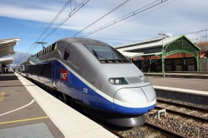 LE TGV PARIS BARCELONE EN GARE DE PERPIGNAN